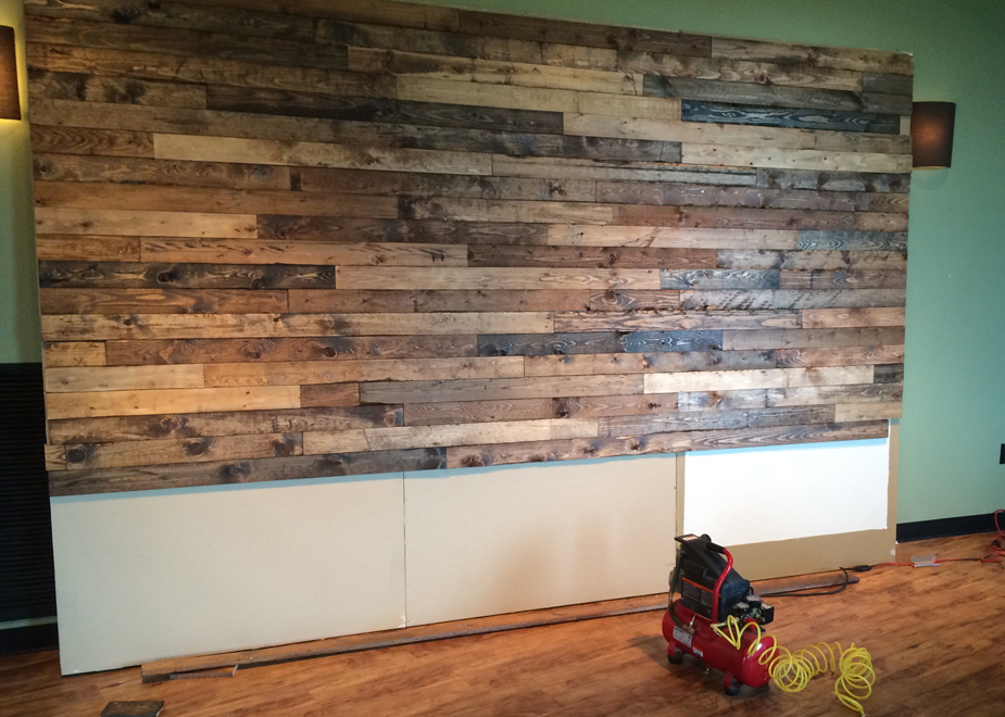 faux-pallet-wall-tutorial